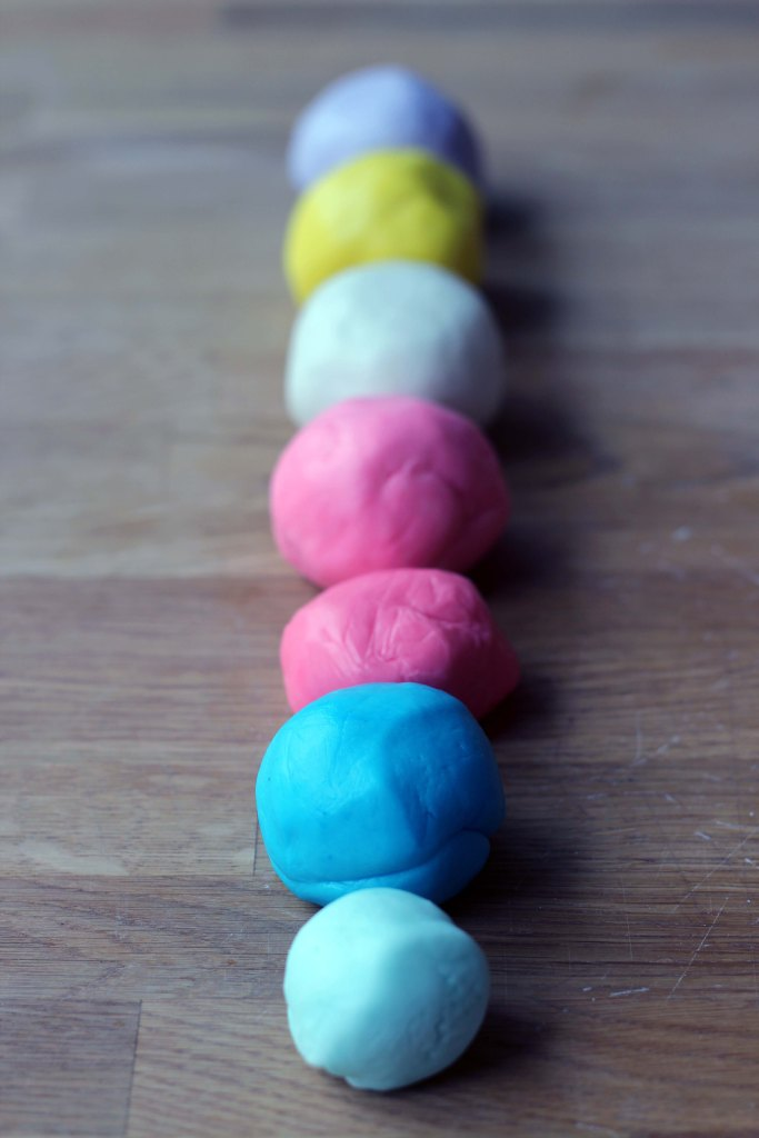coloured fondant