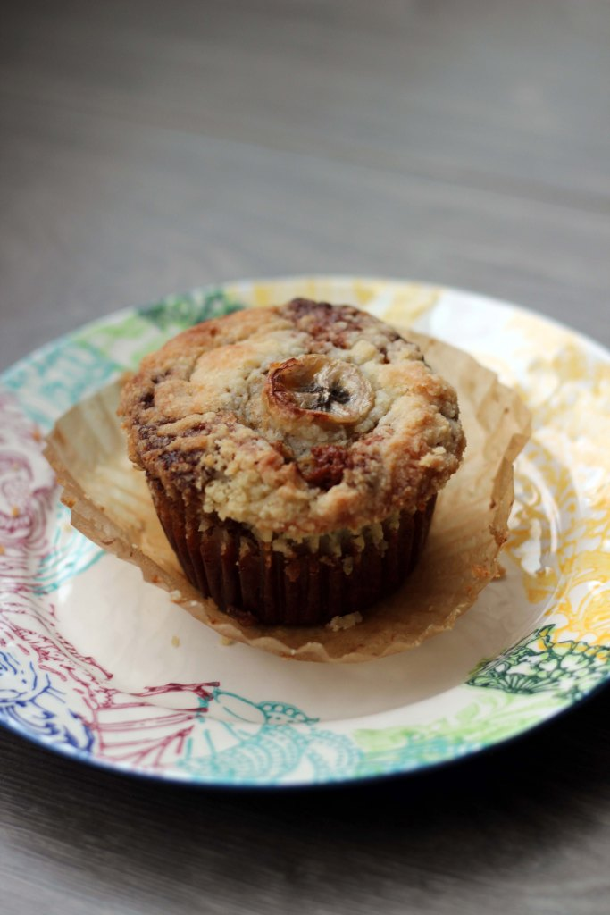 banana bread muffin with streusel topping