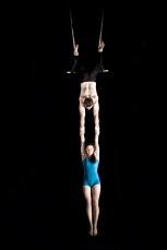 double trapeze hang