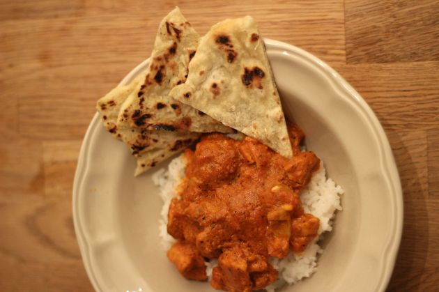 butter-chicken-with-naan