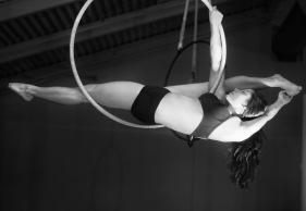 aerial hoop splits